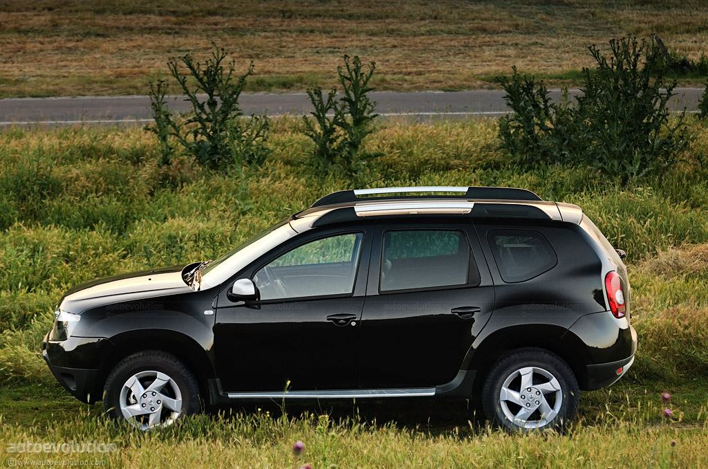 dacia duster review autoevolution. Black Bedroom Furniture Sets. Home Design Ideas