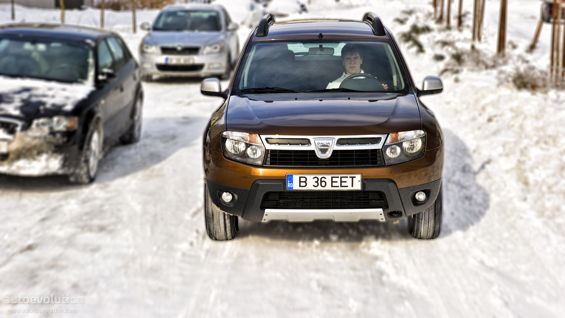 dacia duster review page 2 autoevolution. Black Bedroom Furniture Sets. Home Design Ideas