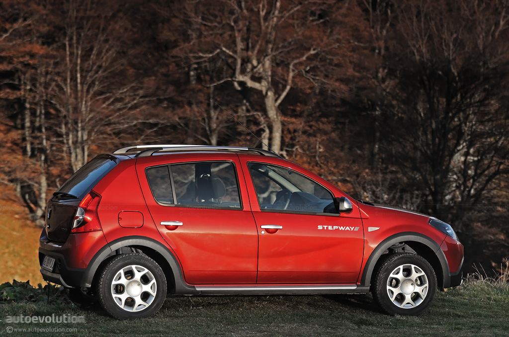 dacia sandero stepway review autoevolution. Black Bedroom Furniture Sets. Home Design Ideas