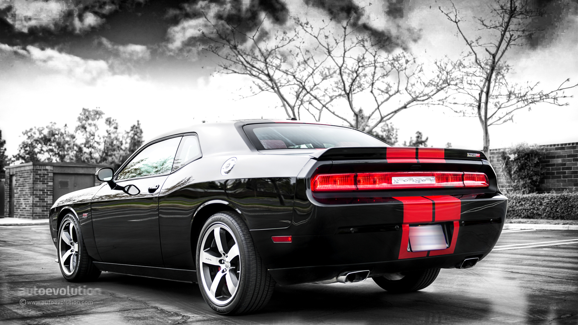 dodge challenger srt8 392 review autoevolution. Black Bedroom Furniture Sets. Home Design Ideas