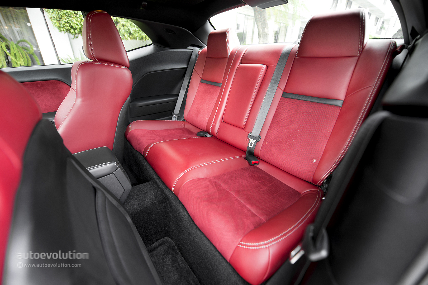 Dodge Challenger Srt8 392 Review Autoevolution