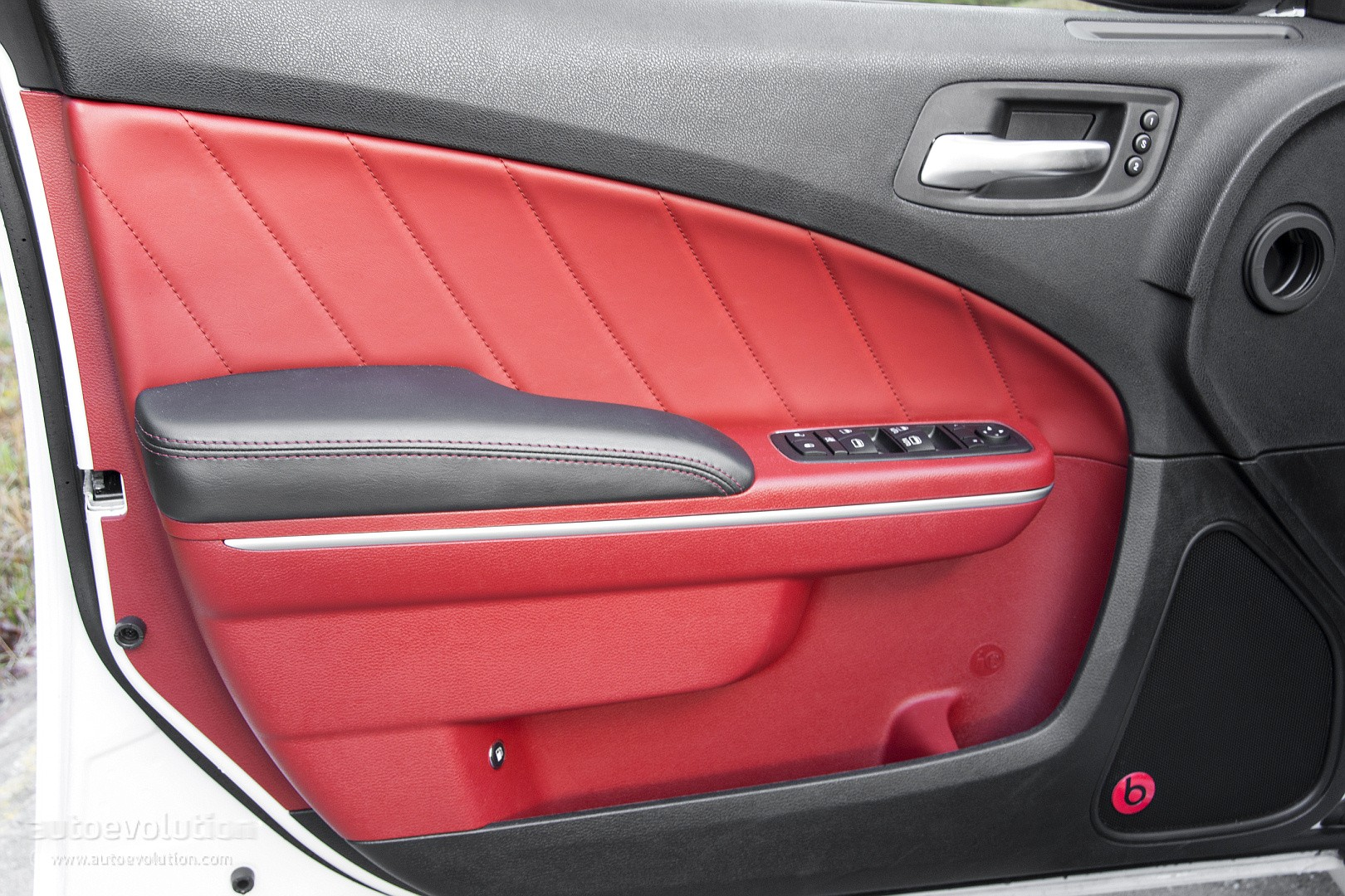 & 2015 Dodge Charger R/T Review - autoevolution