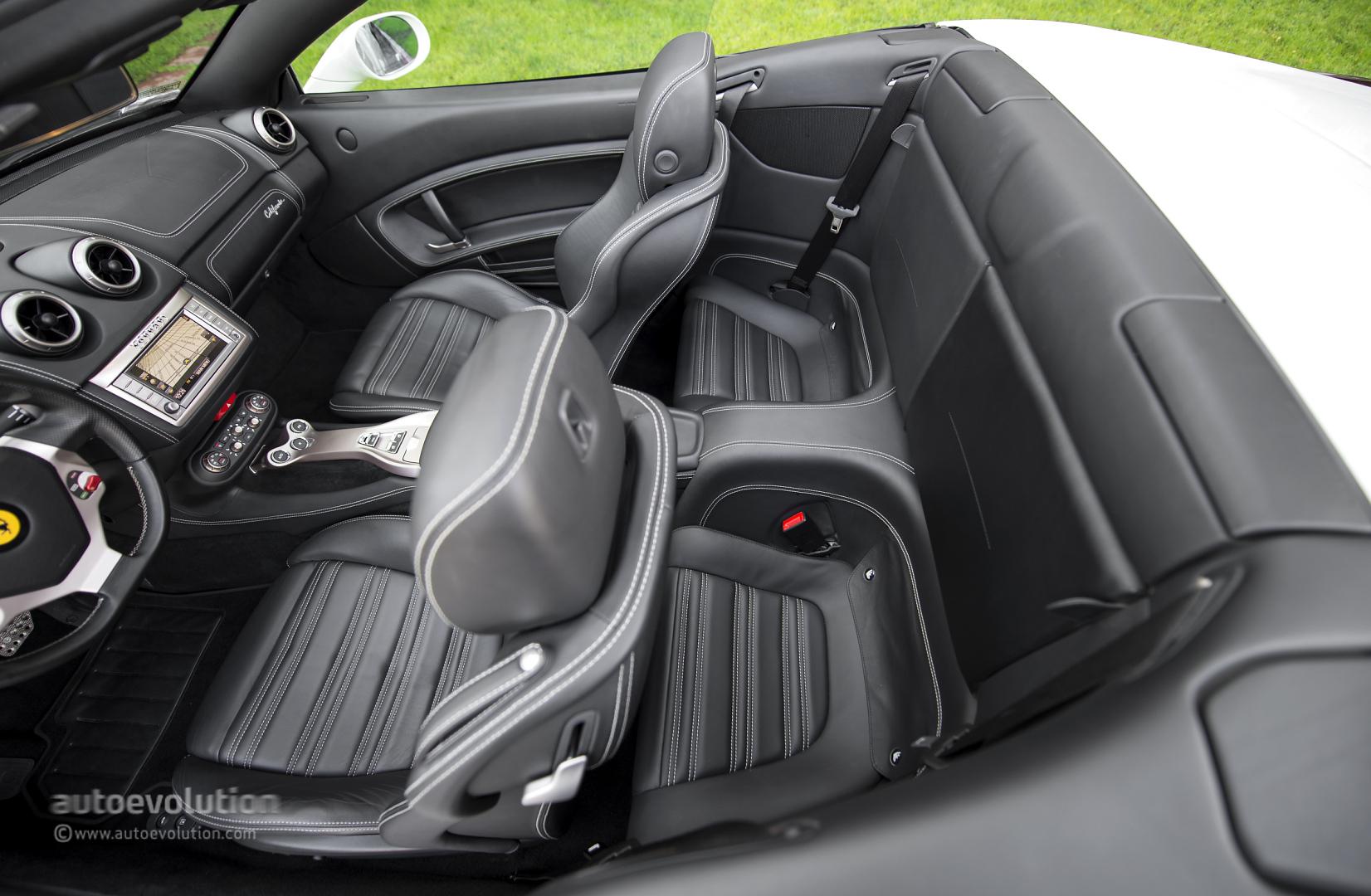 Ferrari california review autoevolution for Ferrari california t interieur