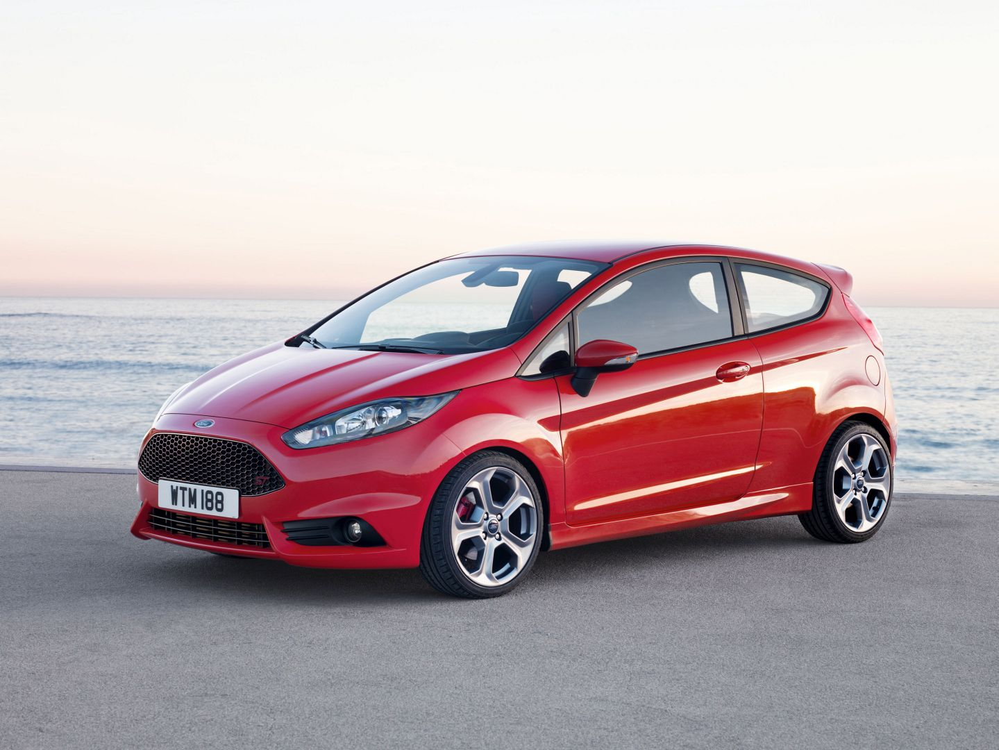 2014 ford fiesta st review autoevolution. Black Bedroom Furniture Sets. Home Design Ideas