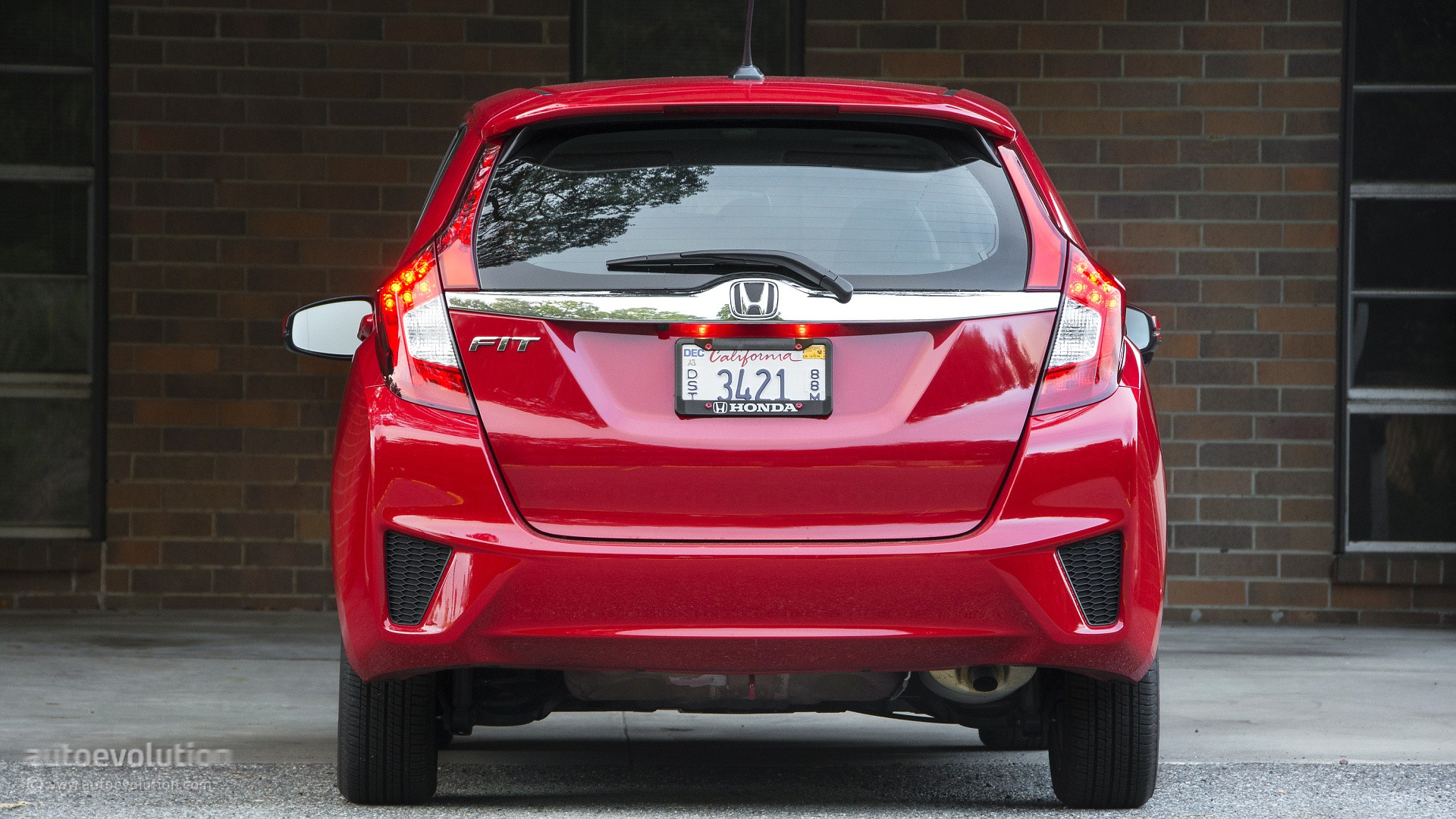 Model 2015 Honda Fit Review  Autoevolution