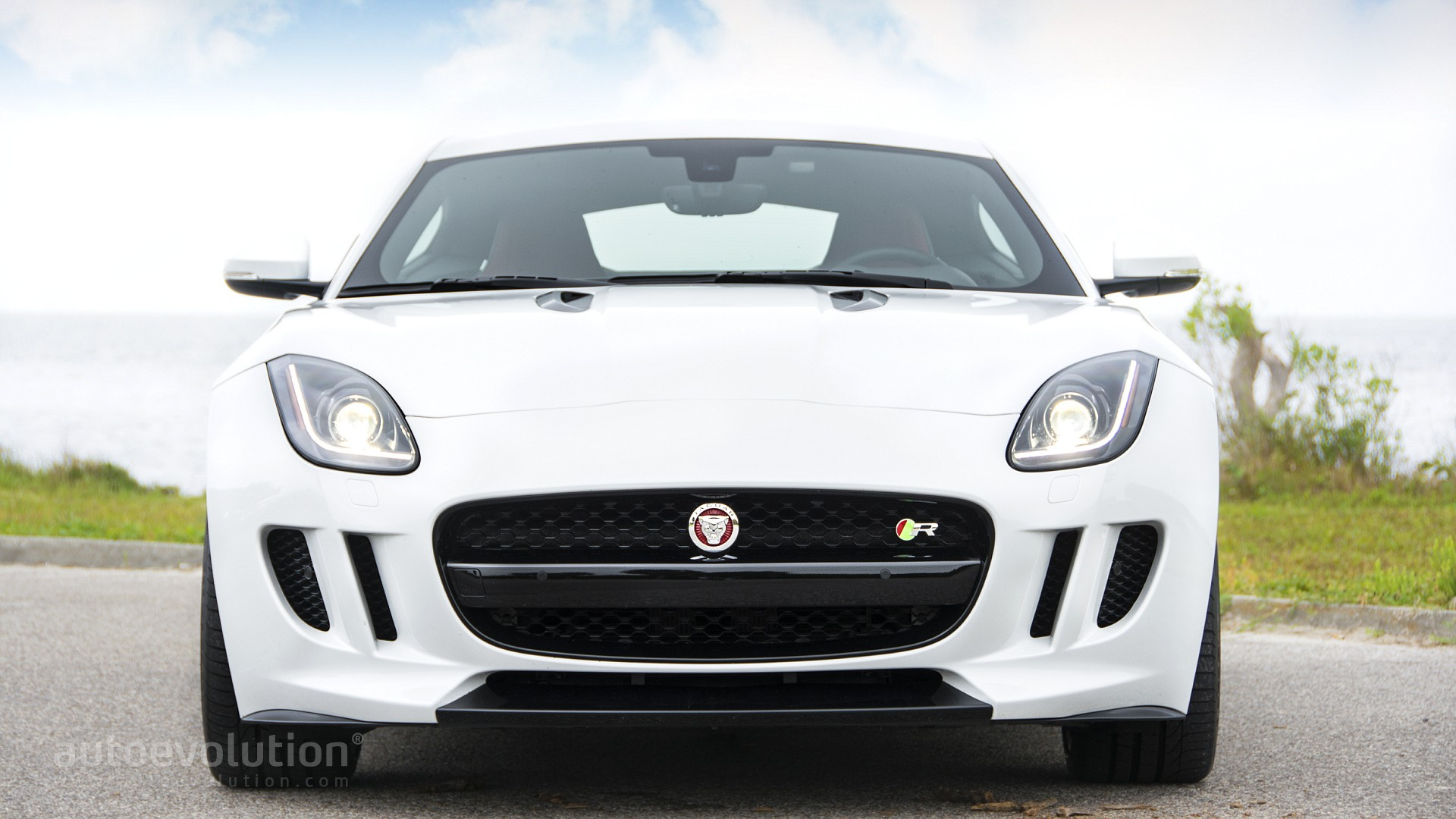2015 jaguar f type r coupe review autoevolution. Black Bedroom Furniture Sets. Home Design Ideas