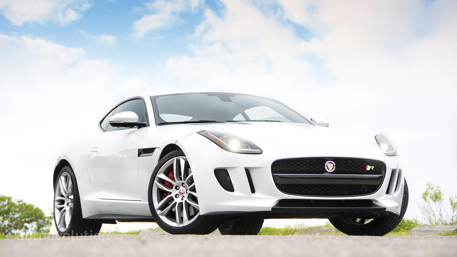 2015 jaguar f type r coupe review autoevolution 2015 jaguar f type r coupe review