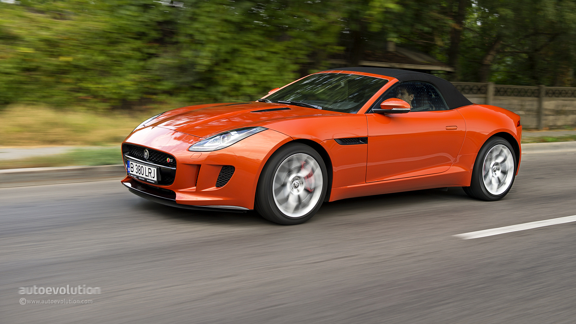 jaguar f type v6 s review autoevolution. Black Bedroom Furniture Sets. Home Design Ideas
