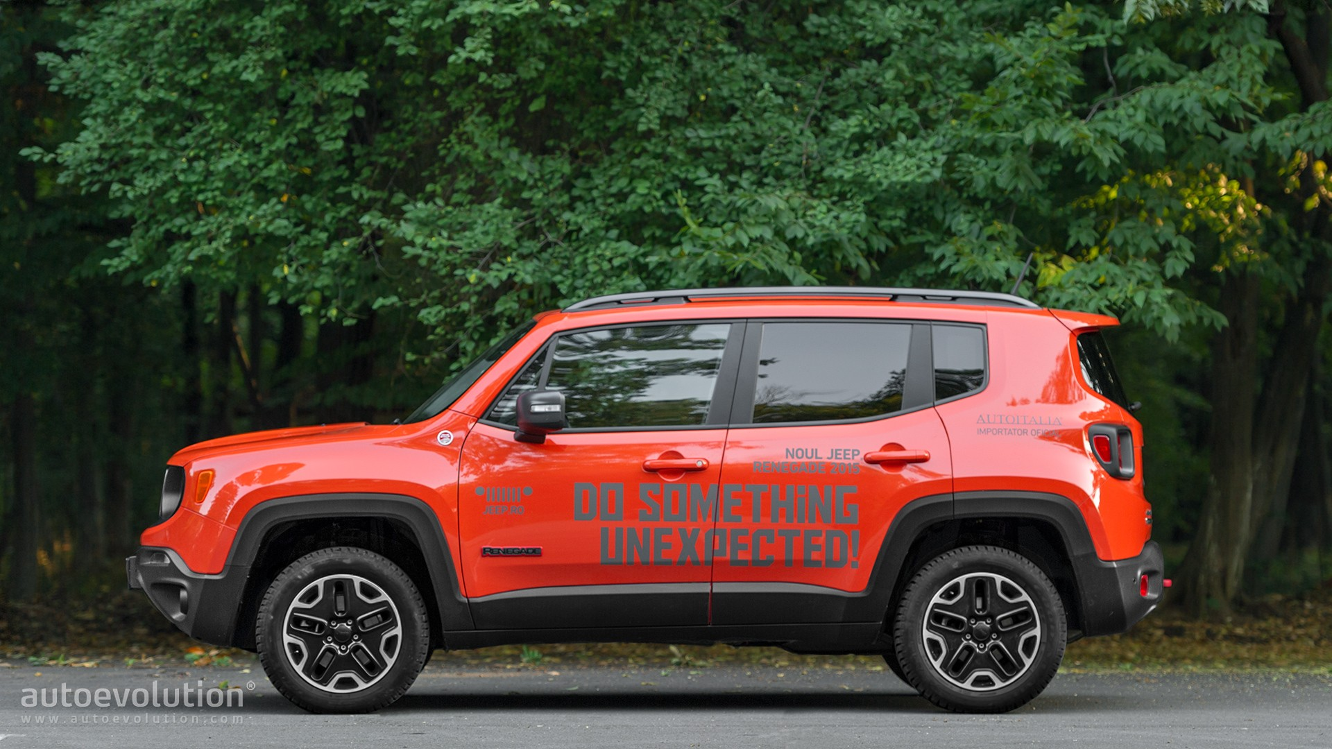 2015 jeep renegade trailhawk review autoevolution. Black Bedroom Furniture Sets. Home Design Ideas