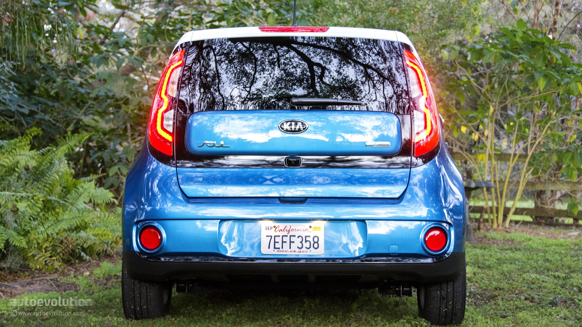 kia el view spotted spy first surfaced showing next tests new formacar photos have road generation prototype blue the online during soul news