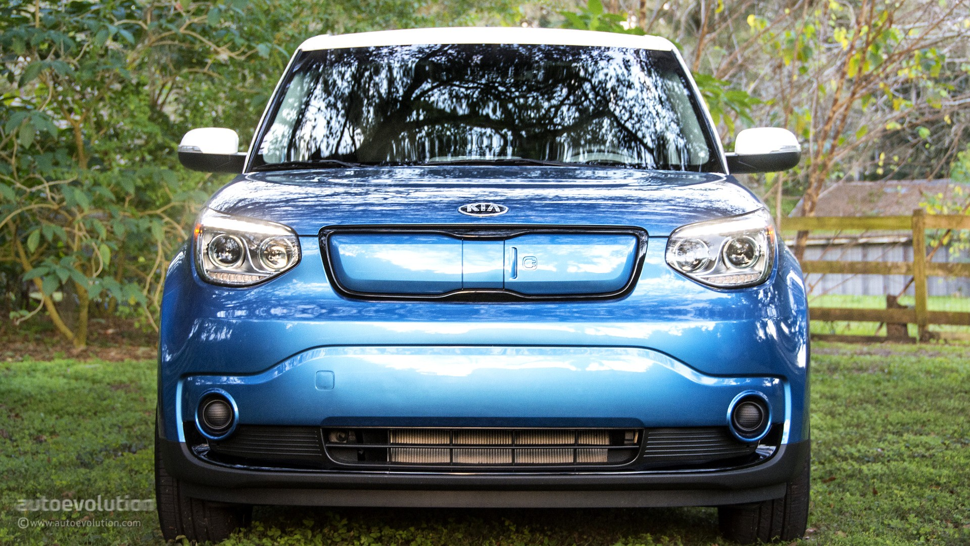 Awesome 2015 Kia Soul Ev Review Autoevolution   2016 Car Release