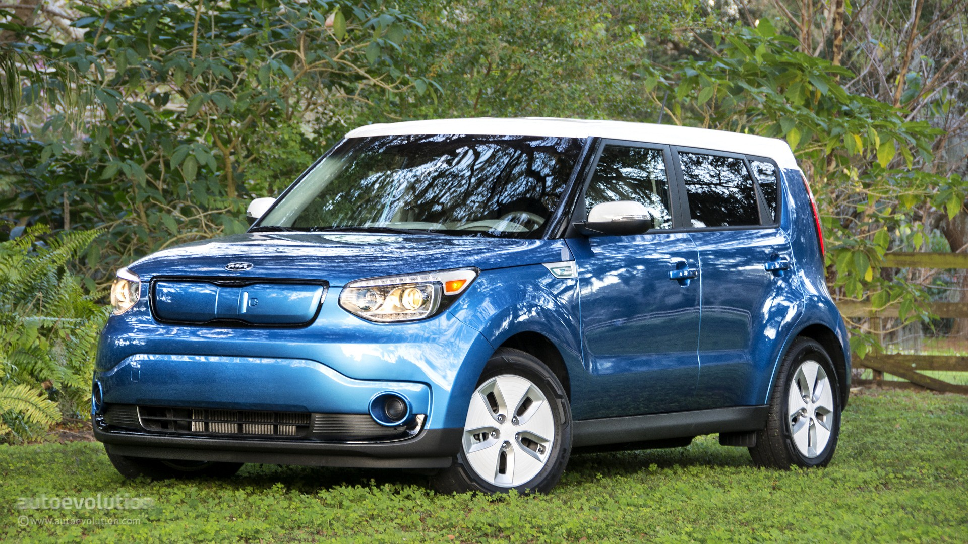 Lastest 2015 Kia Soul EV Review  Autoevolution