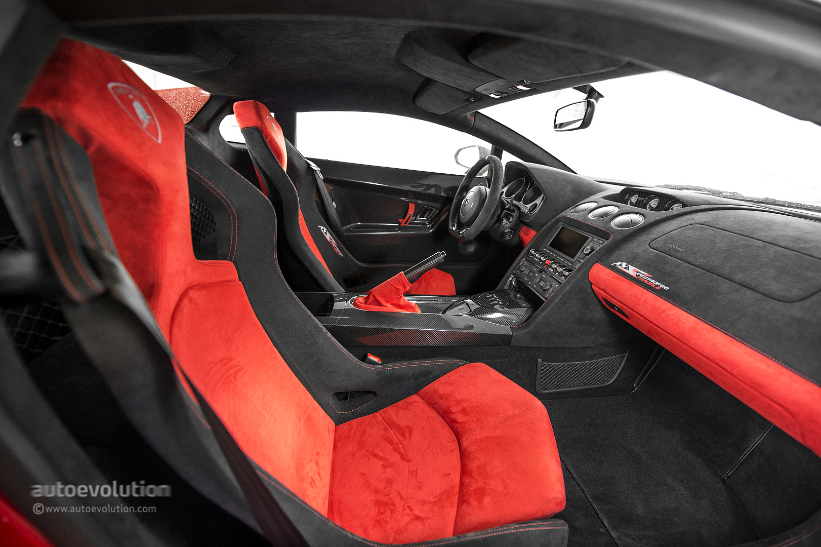 Lamborghini Aventador Interior Seat Belts Pictures To Pin
