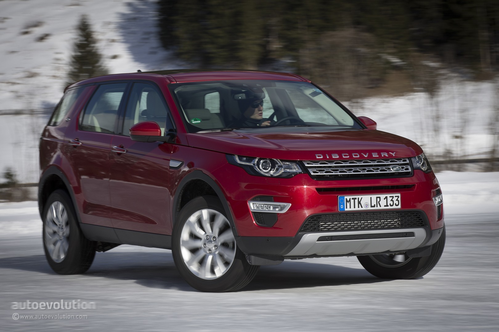 https://s1.cdn.autoevolution.com/images/testdrive/gallery/land-rover-discovery-sport-review-2015_15.jpg