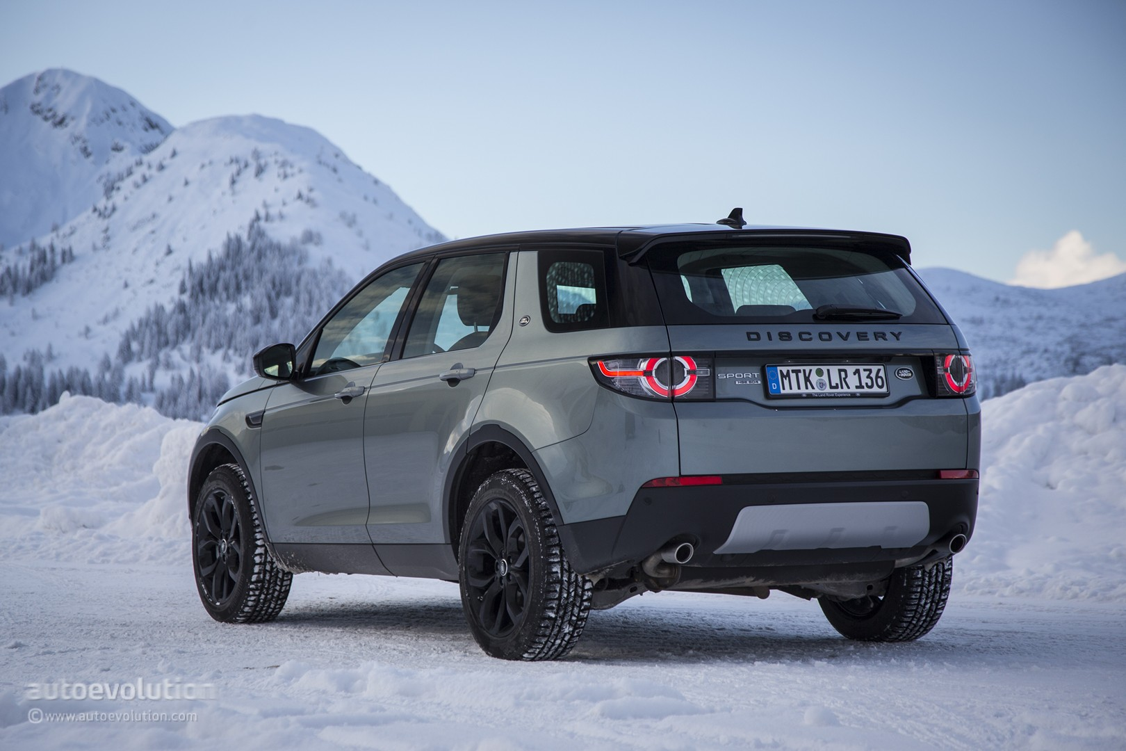 Difference Between Land Rover And Range Rover >> 2015 Land Rover Discovery Sport Review - autoevolution
