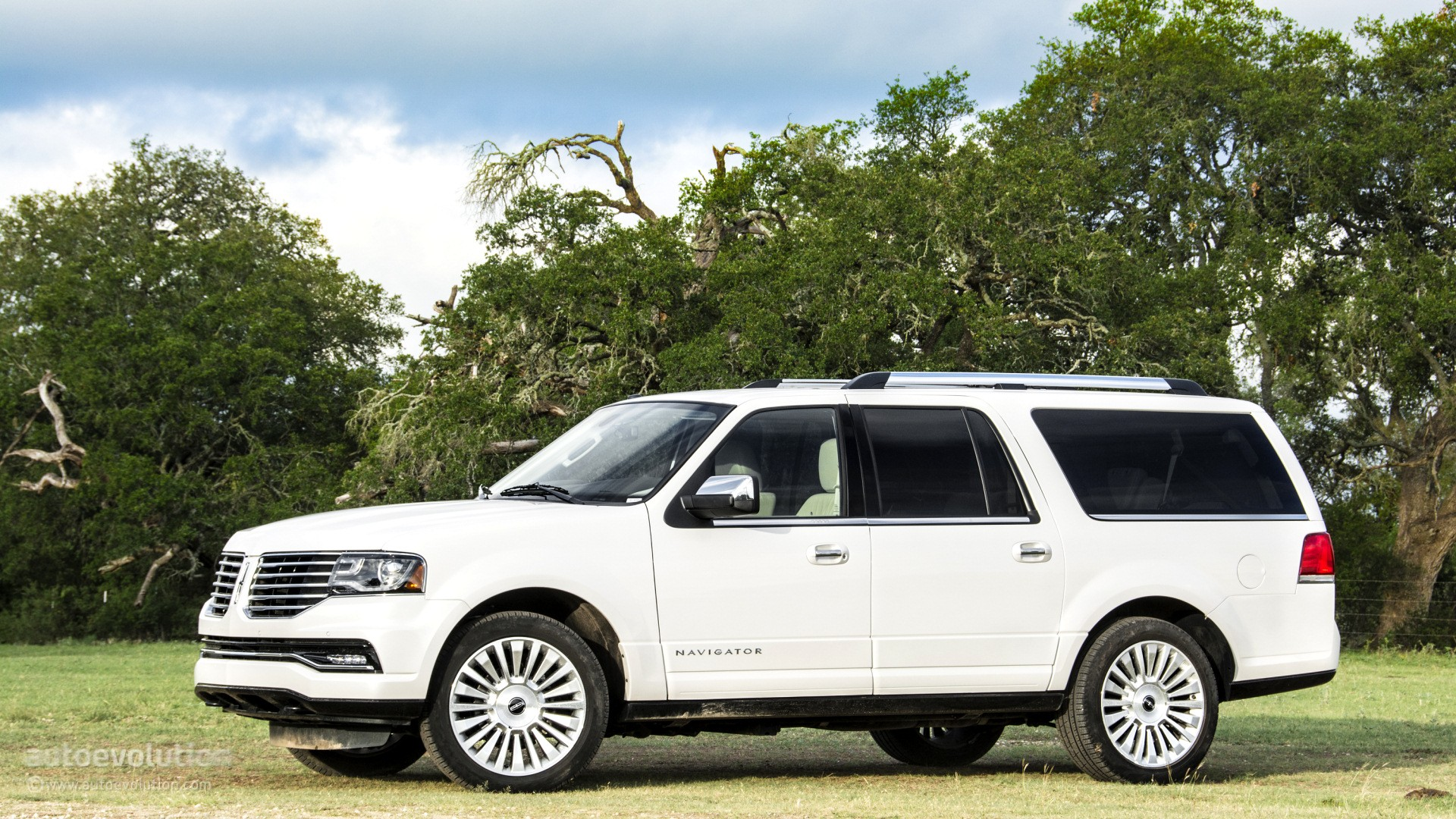 2015 Lincoln Navigator Review Autoevolution