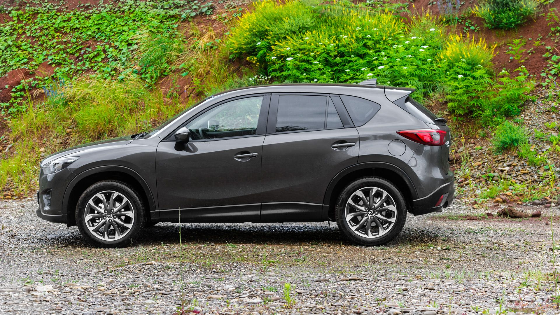 2016 mazda cx 5 review autoevolution. Black Bedroom Furniture Sets. Home Design Ideas