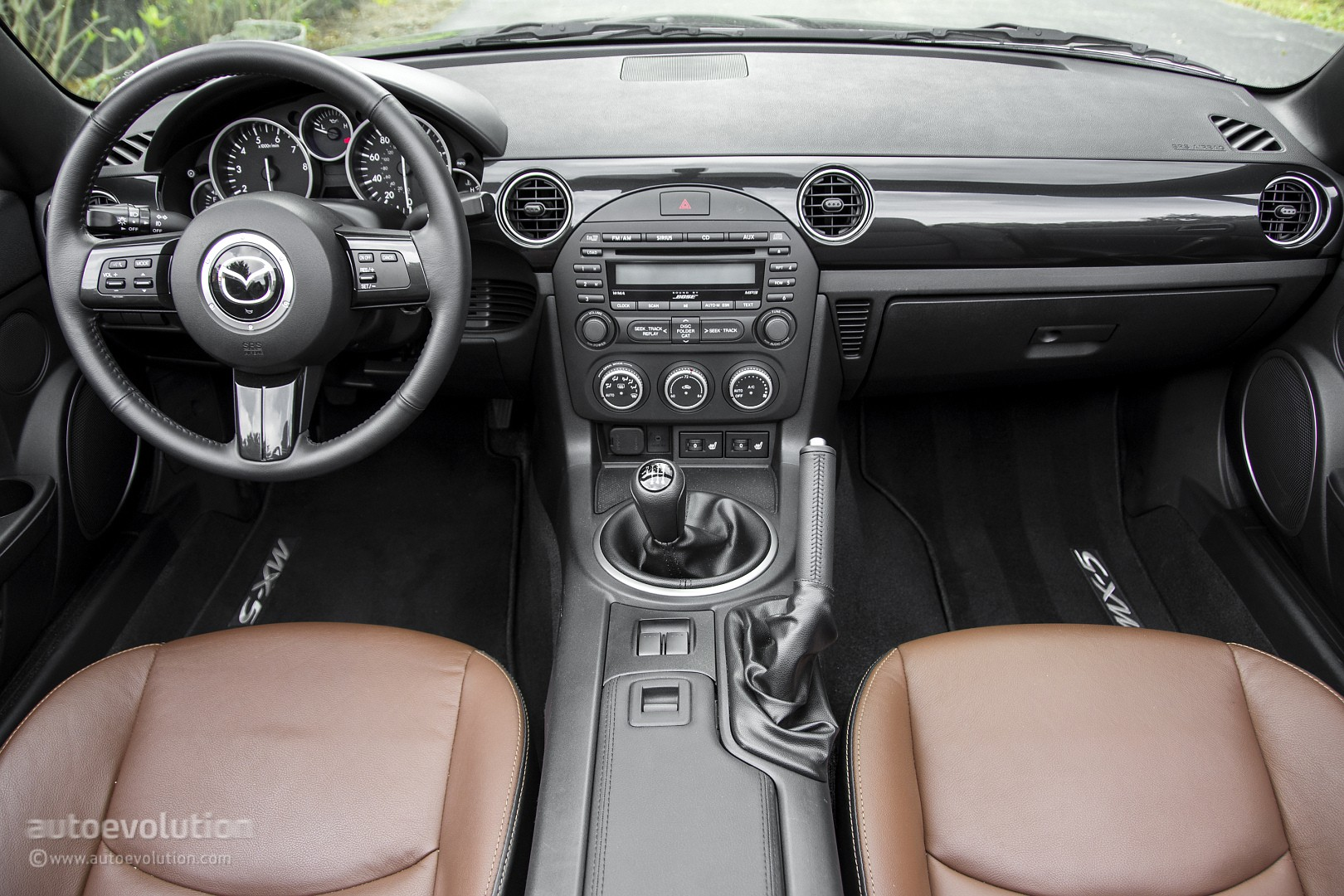2015 Mazda MX-5 Miata Review - autoevolution