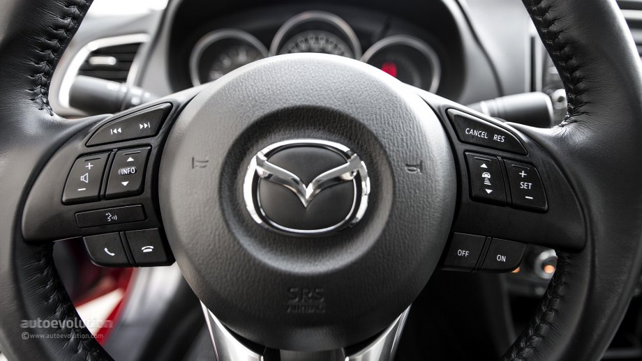 2014 MAZDA6 steering wheel buttons