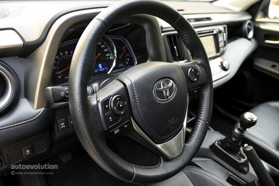 toyota rav4 steering wheel read sources 2013 toyota rav4 small overlap