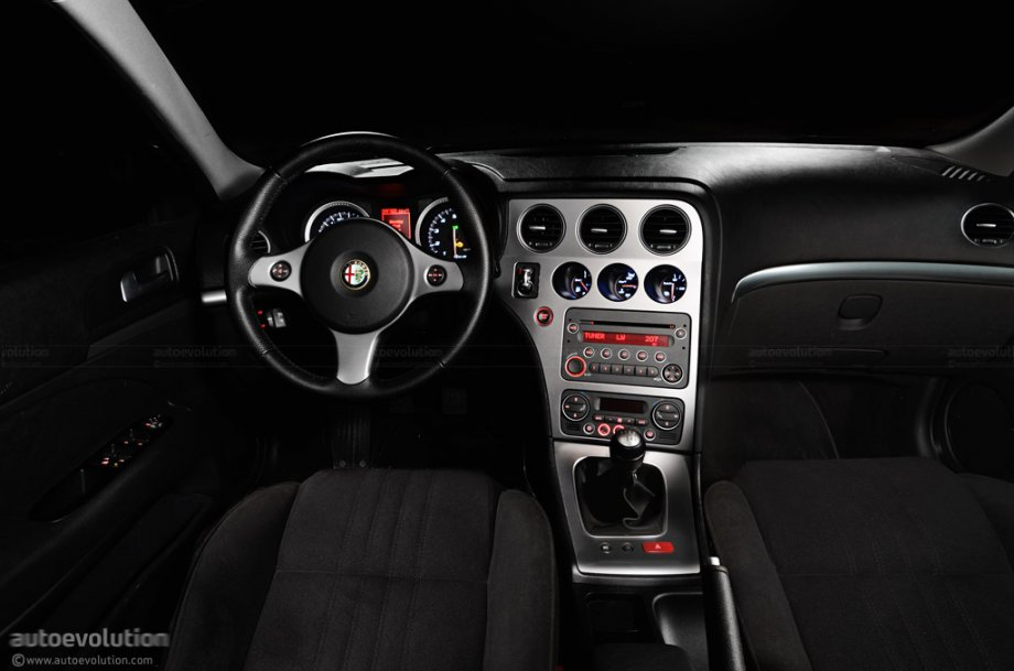 Alfa romeo 159 review autoevolution for Alfa romeo 159 interieur
