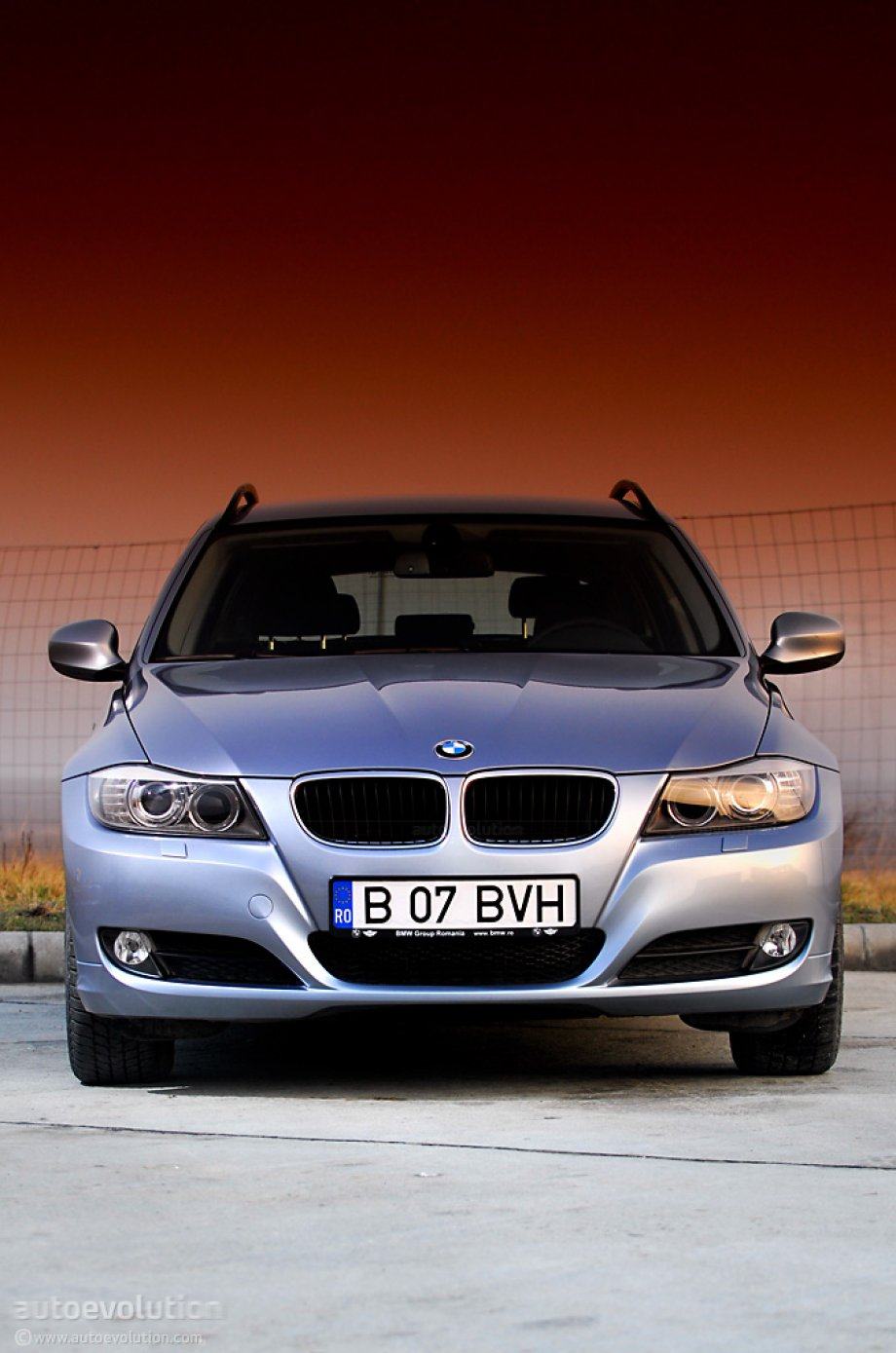 bmw 320d xdrive touring photo 20 93. Black Bedroom Furniture Sets. Home Design Ideas