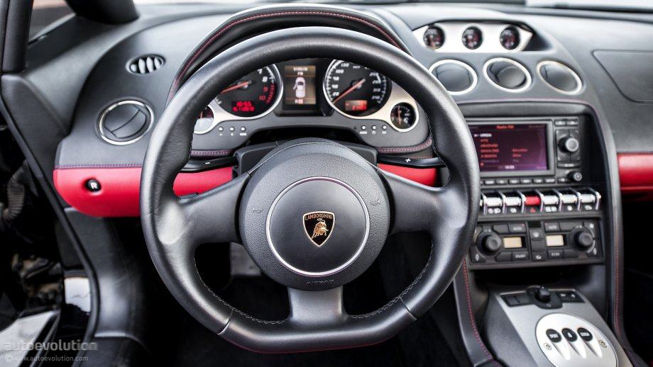 LAMBORGHINI Gallardo LP550-2 Spyder steering wheel - Photo ...