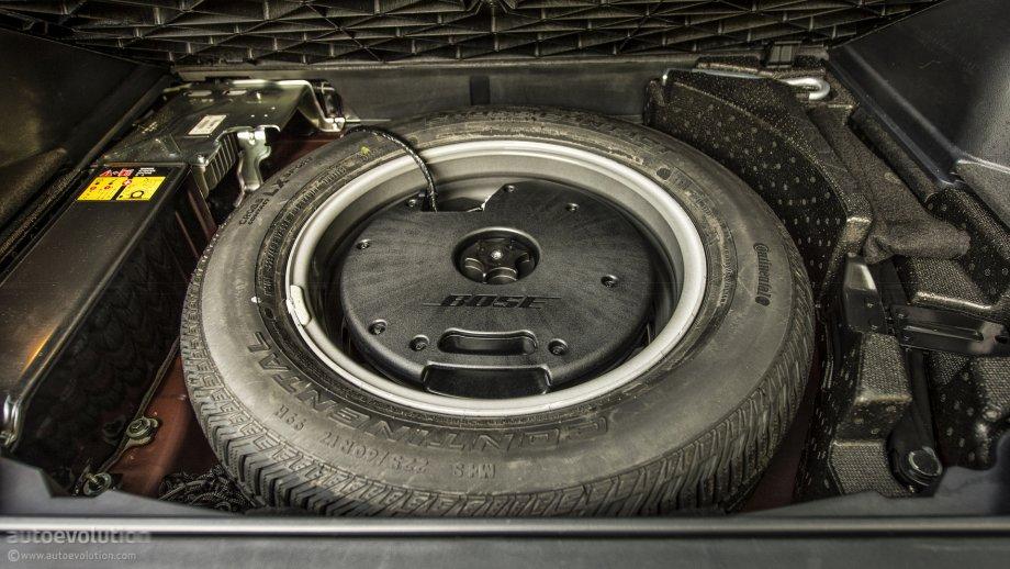 renault koleos facelift bose subwoofer in spare wheel. Black Bedroom Furniture Sets. Home Design Ideas