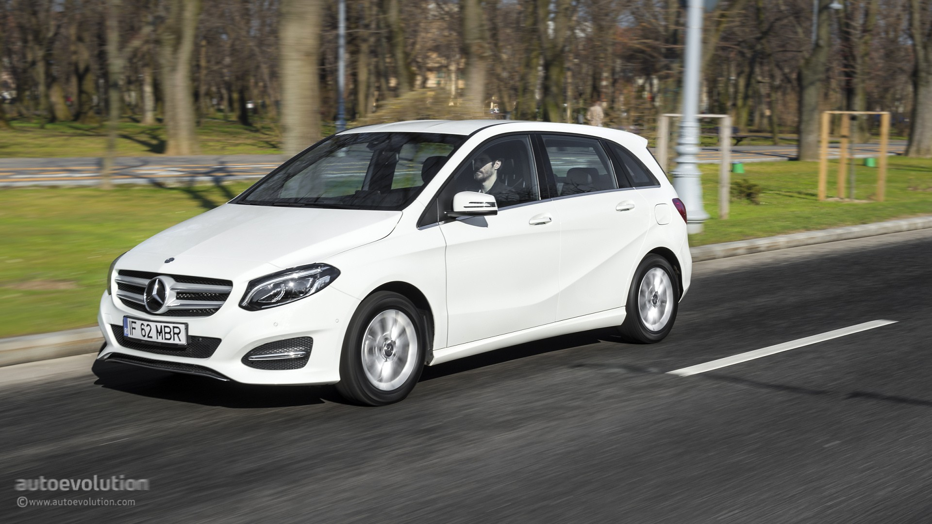 2015 mercedes benz b class review autoevolution for B series mercedes benz