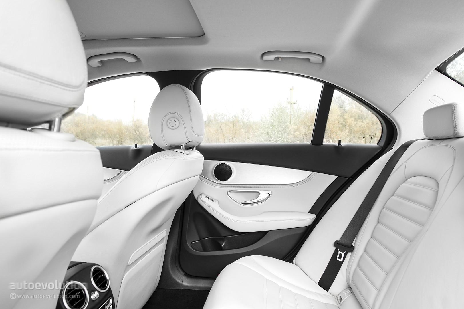 2015 mercedes benz c class review autoevolution for Mercedes benz c class 2015 interior