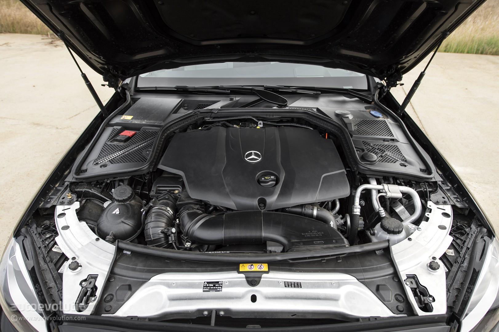 2015 mercedes benz c class review autoevolution for Mercedes benz c class engine