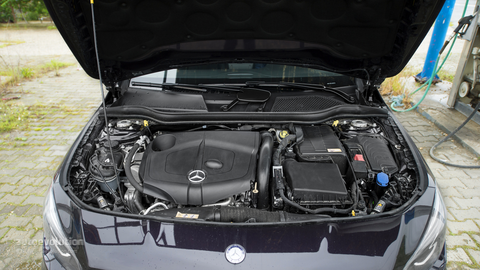2014 mercedes benz cla250 test drive specs review auto for Mercedes benz cla 250 specs