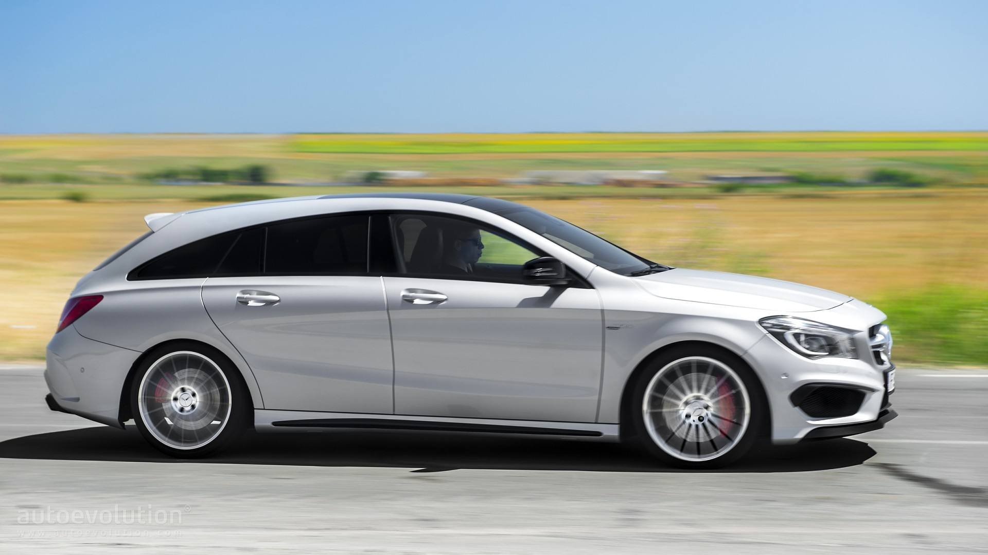 http://s1.cdn.autoevolution.com/images/testdrive/gallery/mercedes-benz-cla45-amg-shooting-brake-review-2015_7.jpg