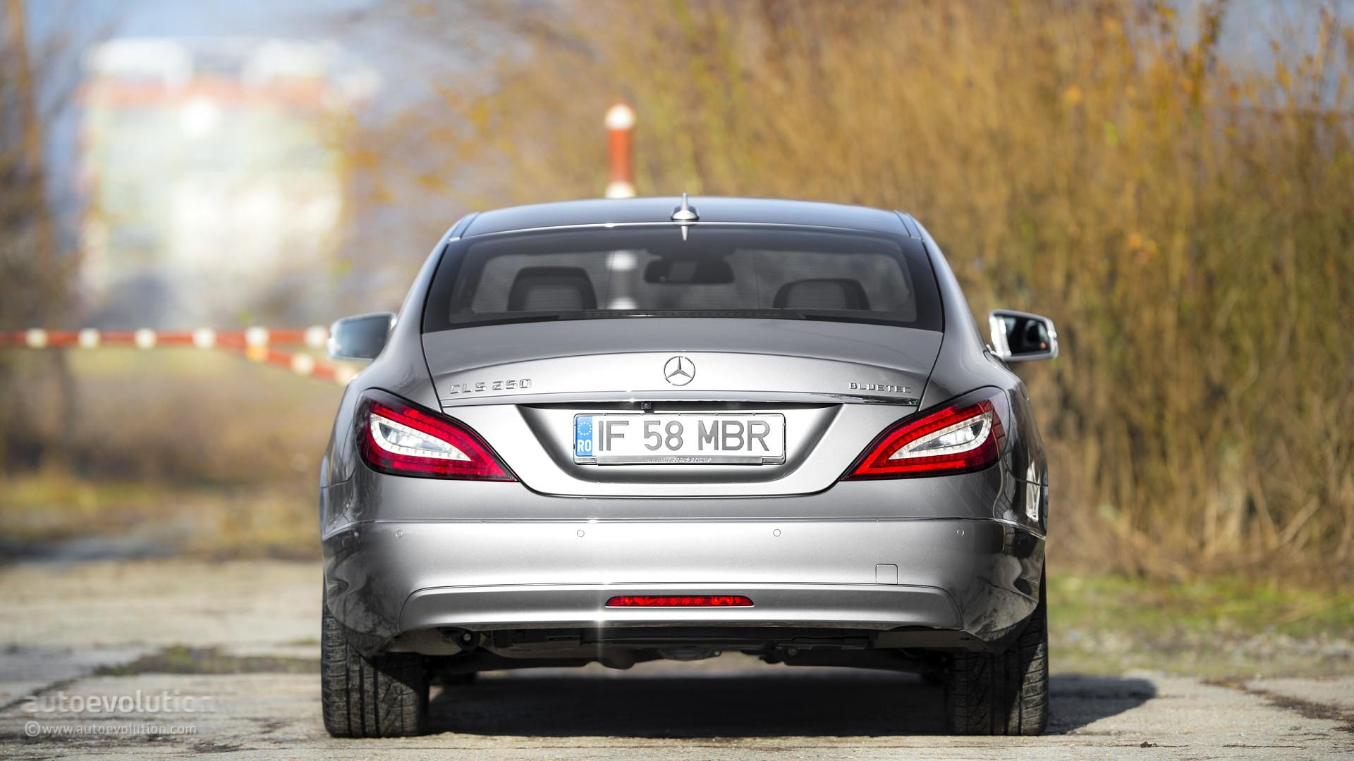 2015 mercedes benz cls class review autoevolution for Mercedes benz cls series