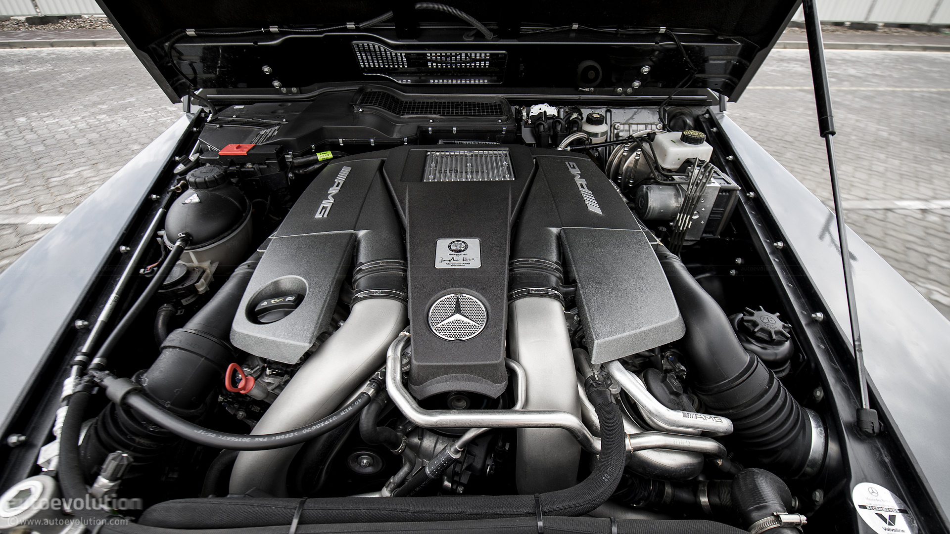 Mercedes benz g63 amg review autoevolution for Auto parts for mercedes benz