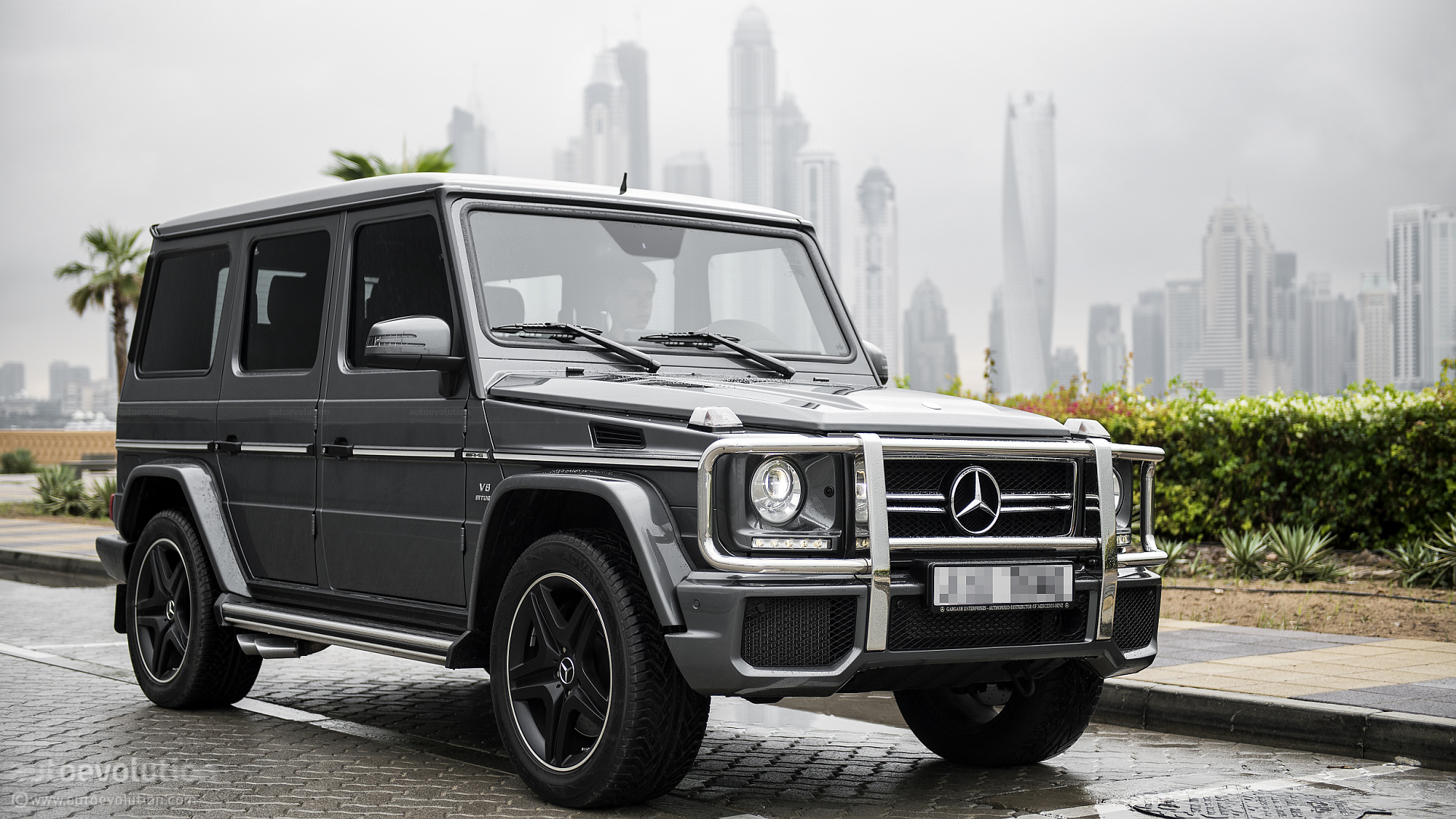 Mercedes benz g63 amg review autoevolution for Mercedes benz g 63