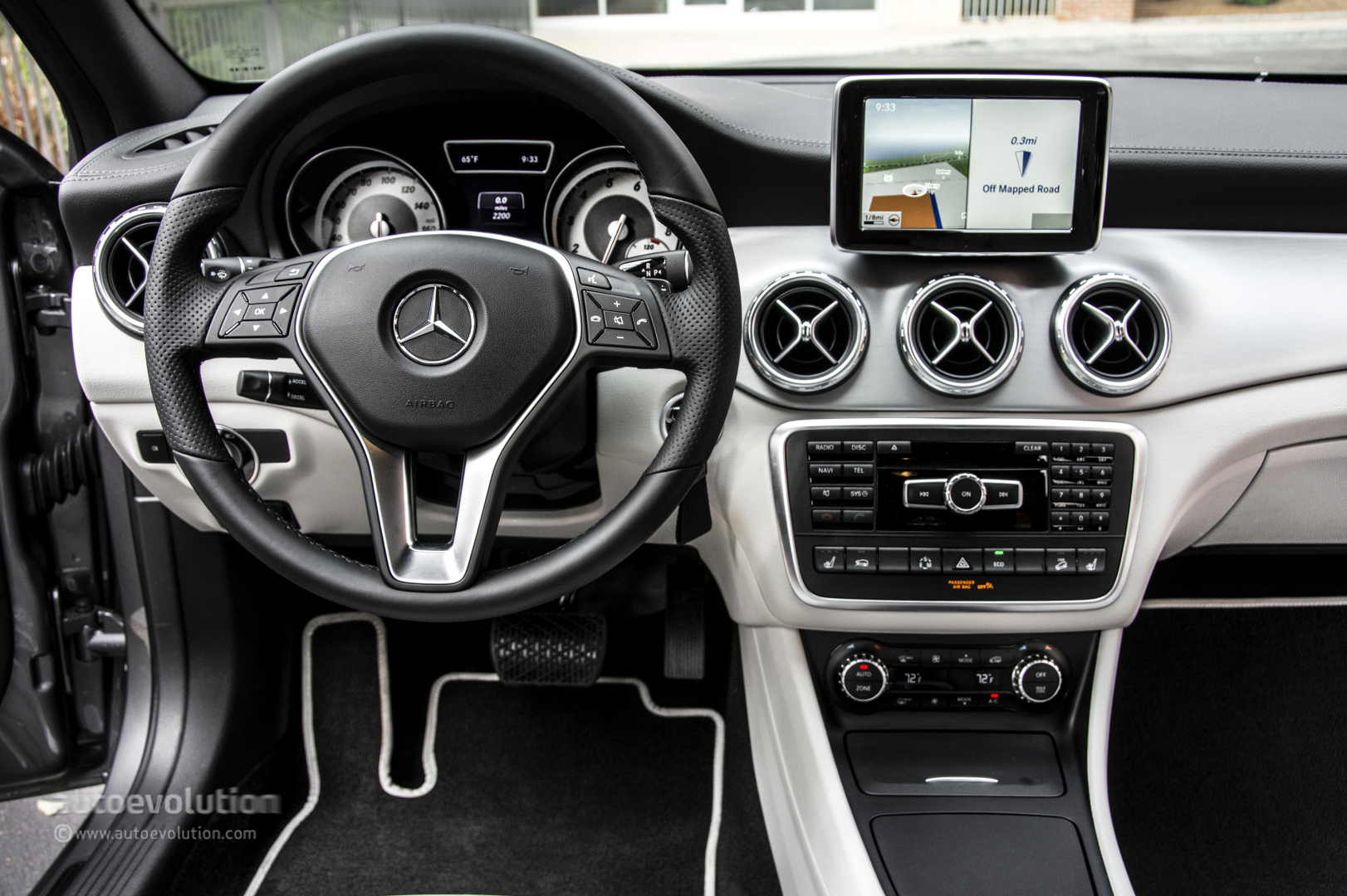 2015 mercedes benz gla250 4matic gla45 amg review for 2015 mercedes benz gla250