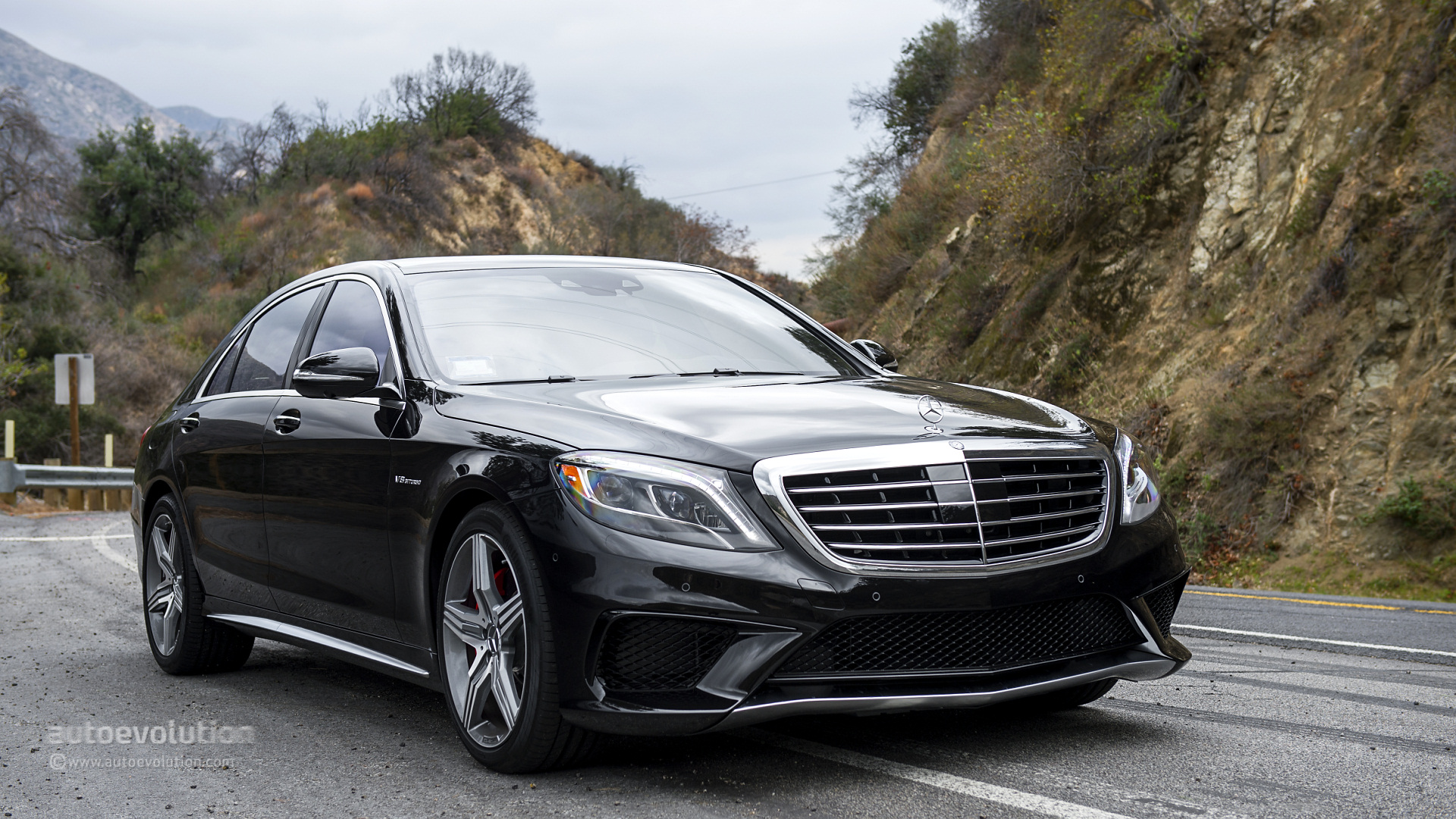 Mercedes benz s63 amg 4matic review autoevolution for Mercedes benz s 63 amg