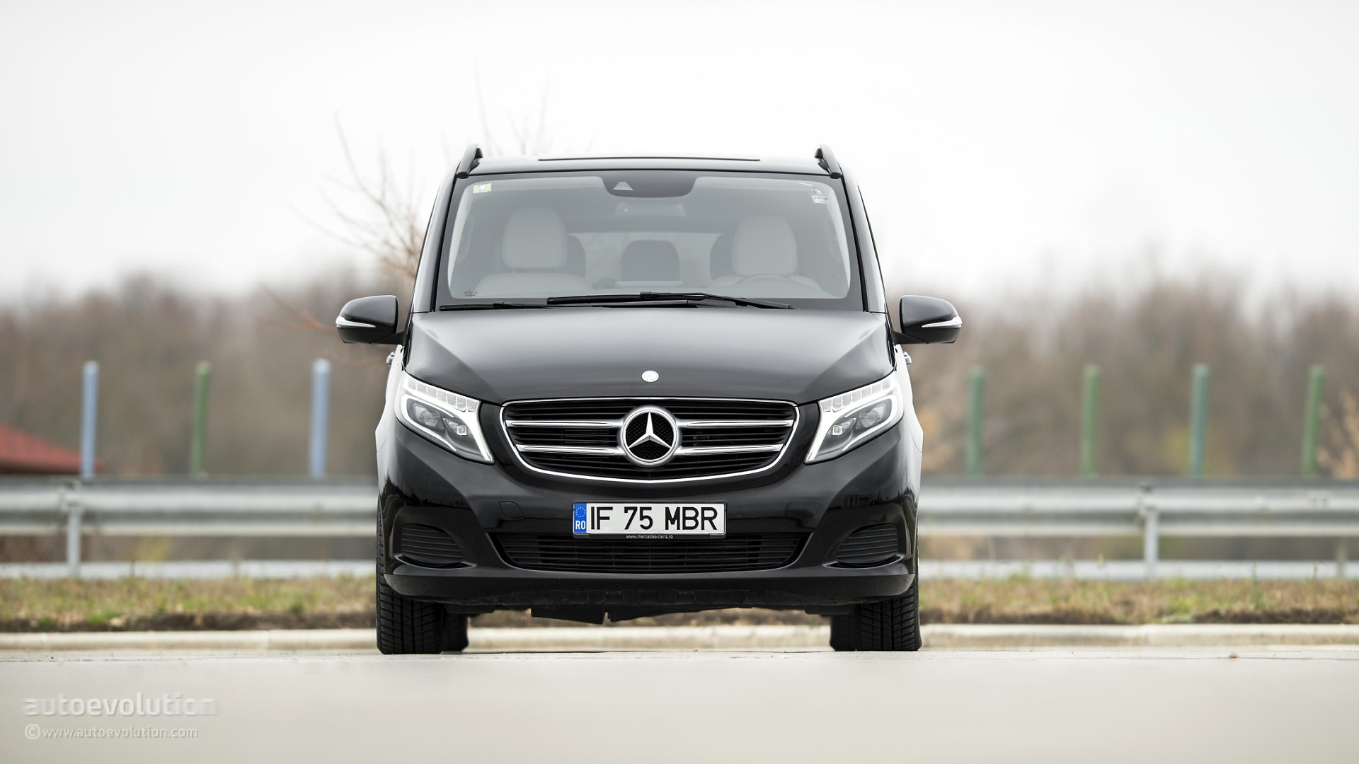 2015 mercedes benz v class review autoevolution. Cars Review. Best American Auto & Cars Review
