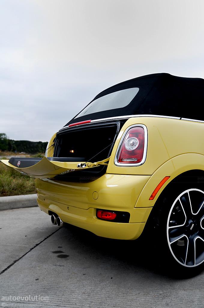 mini cooper s cabrio review autoevolution. Black Bedroom Furniture Sets. Home Design Ideas