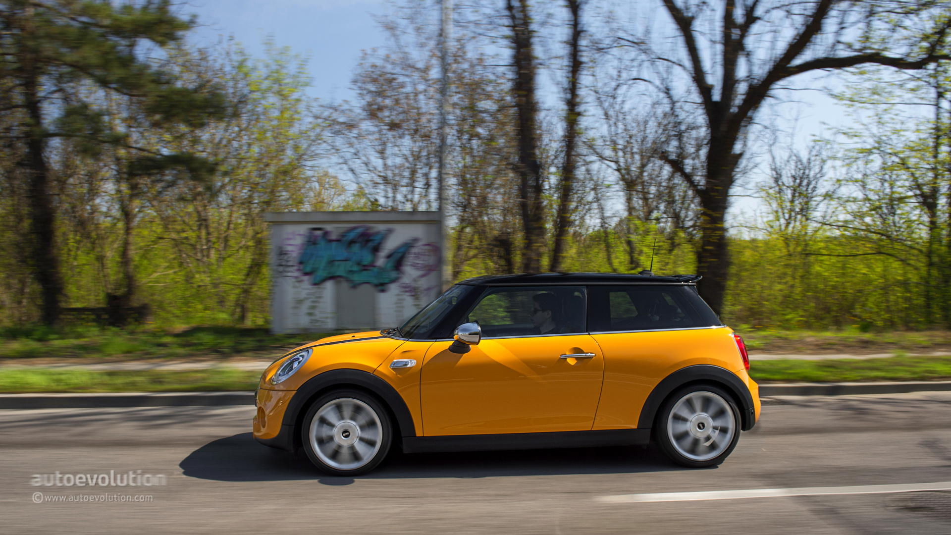 2014 MINI Cooper S Review