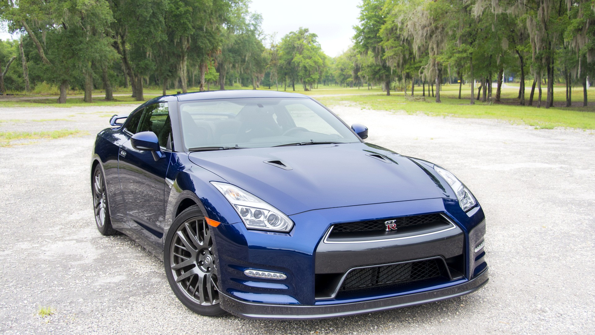 2016 nissan gt r review autoevolution. Black Bedroom Furniture Sets. Home Design Ideas