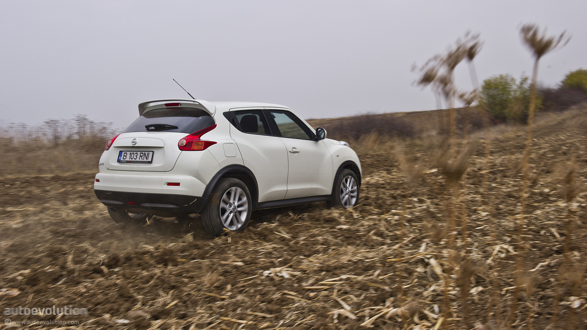 nissan juke review - autoevolution