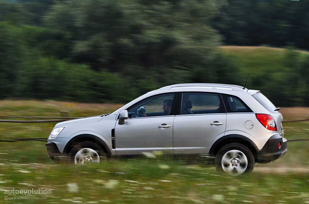 opel antara review guest editor opinions autoevolution. Black Bedroom Furniture Sets. Home Design Ideas