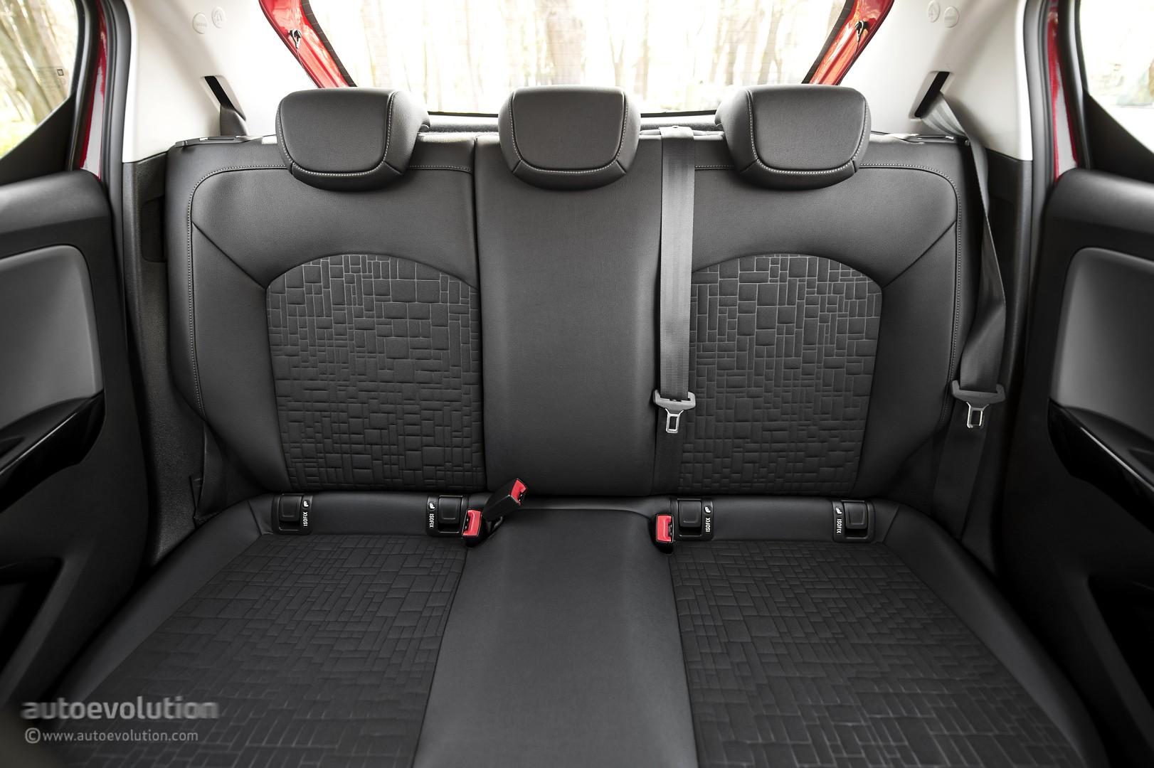 Image gallery opel corsa interior rear for Opel corsa b interieur