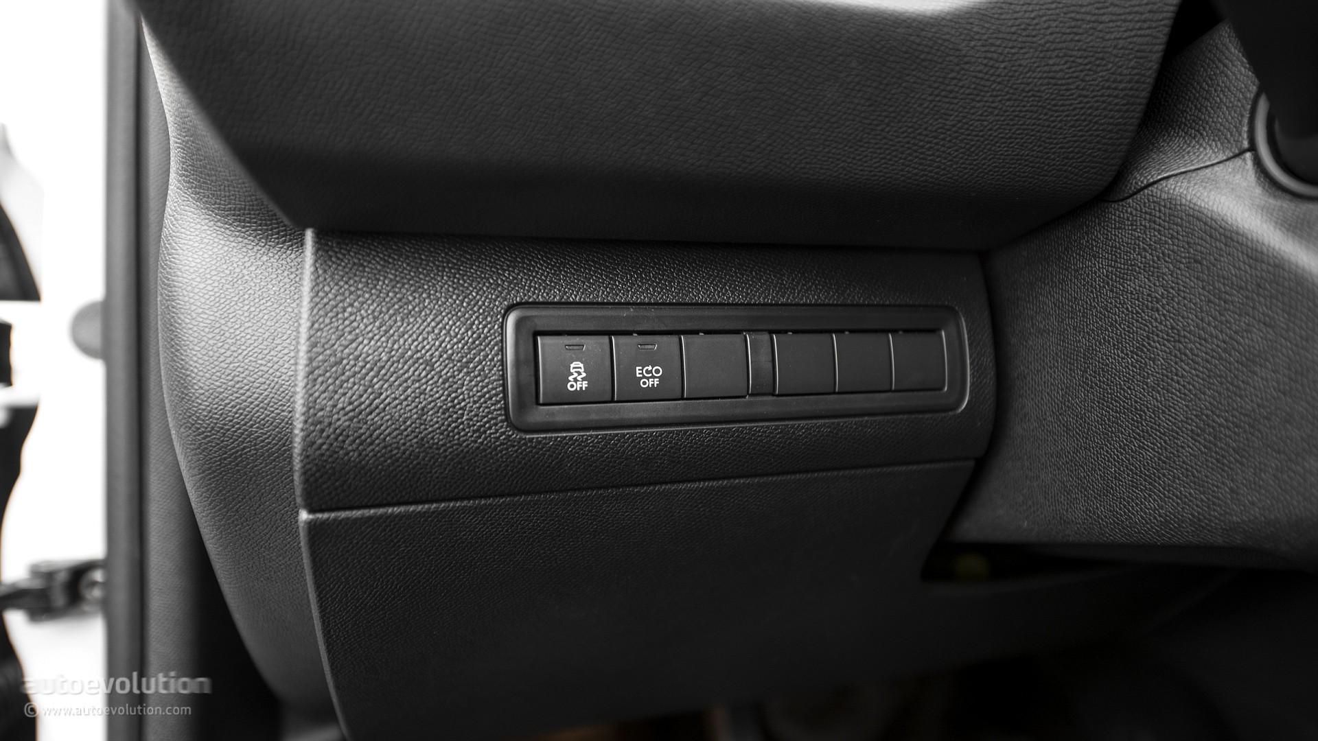 2015 PEUGEOT 308 Review - autoevolution