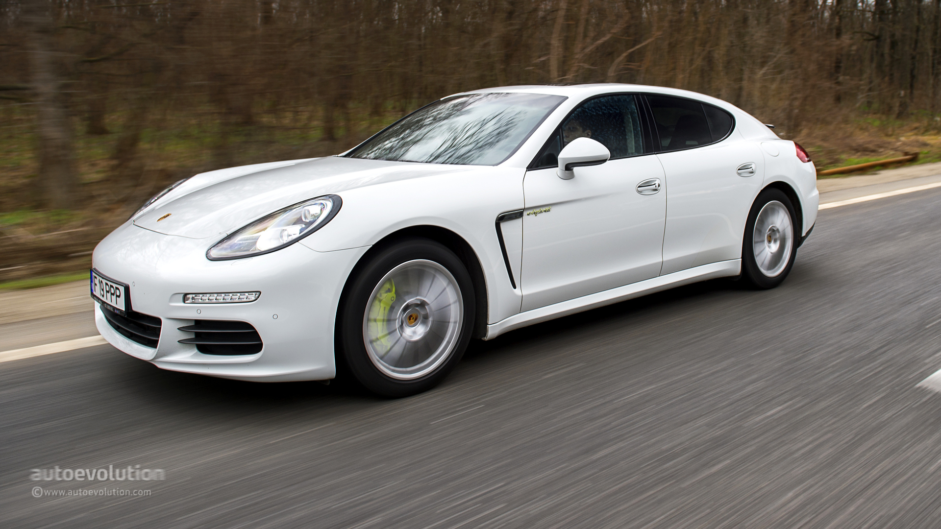 2015 porsche panamera s e hybrid review autoevolution. Black Bedroom Furniture Sets. Home Design Ideas