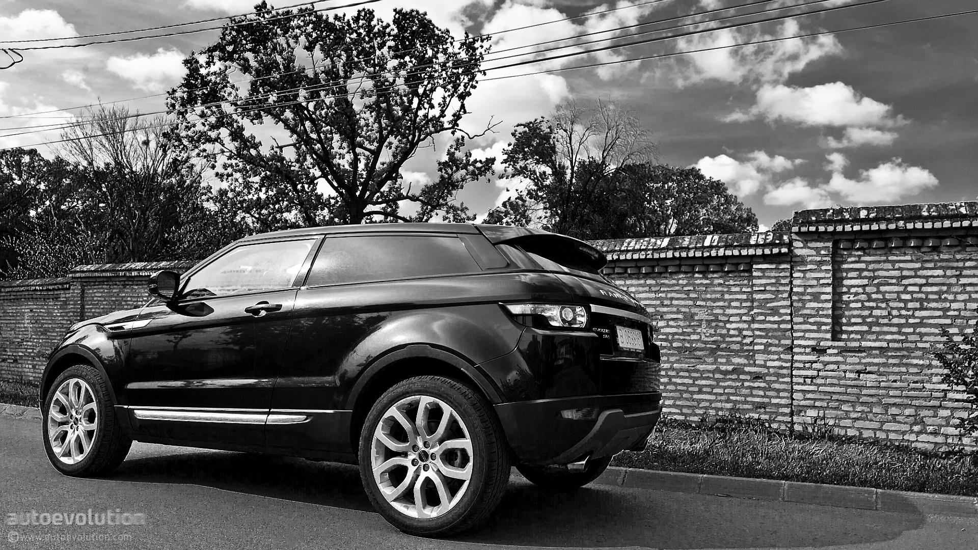 2013 land rover range rover test drive luxury suv video. Black Bedroom Furniture Sets. Home Design Ideas