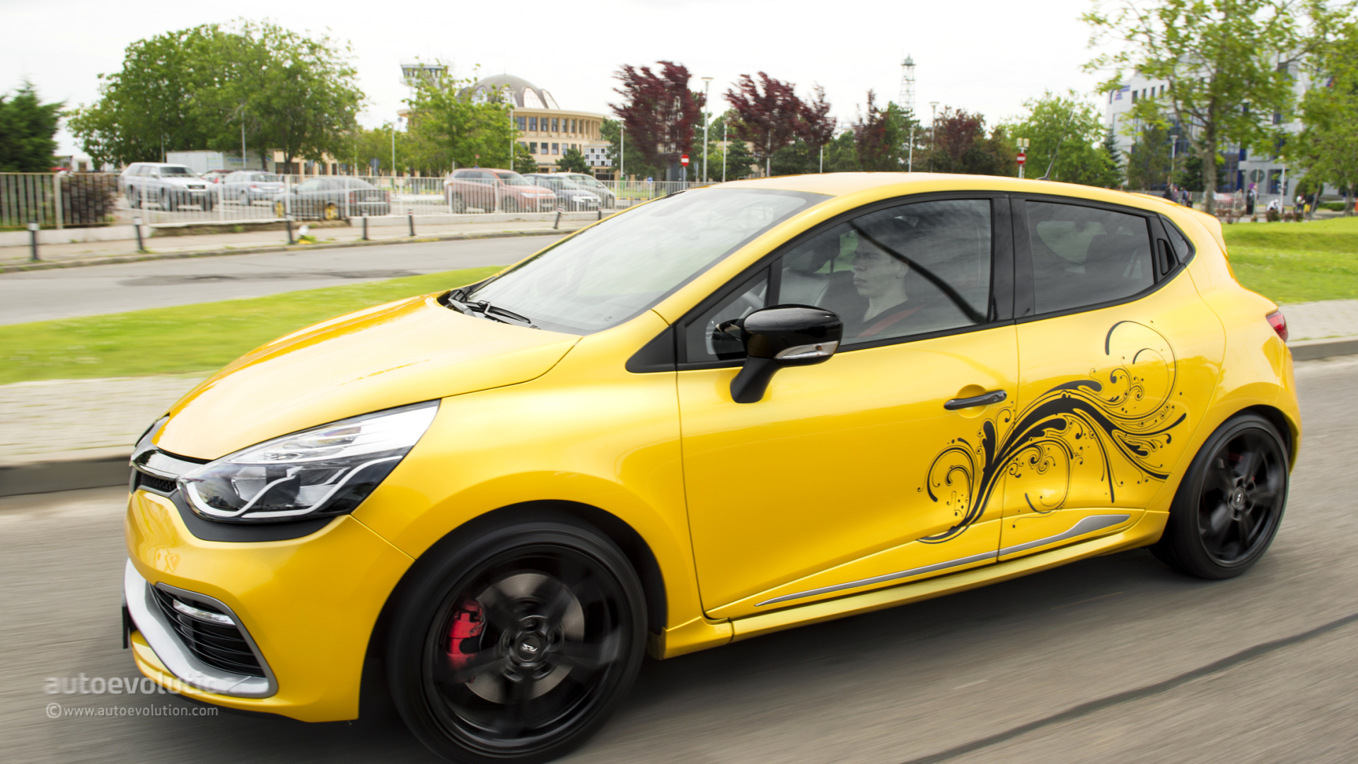 RENAULT Clio RS 200 Review - autoevolution