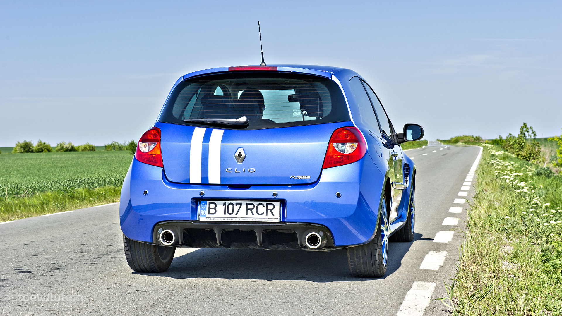 renault clio rs gordini review autoevolution. Black Bedroom Furniture Sets. Home Design Ideas